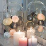 Reflection. Cette guirlande lumineuse LED est composée avec du lin, argile, perle, graphite, anthracite et rose poudré. Retrouvez toutes nos suggestions sur http://www.lacasedecousinpaul.com/fr/collections/premium:
