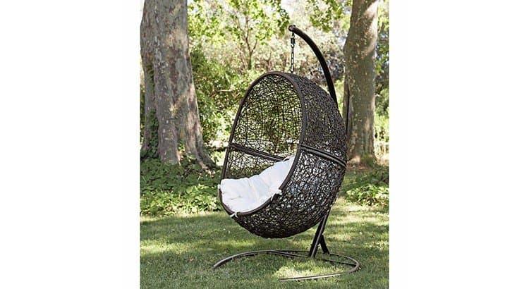 http://sf1.viepratique.fr/wp-content/uploads/sites/8/2017/05/4-fauteuil-de-jardin-sur-pied-en-resine-marron-cocon-1000-12-29-115731_7-750x410.jpg